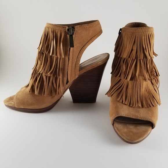 vince camuto fringed suede sandals